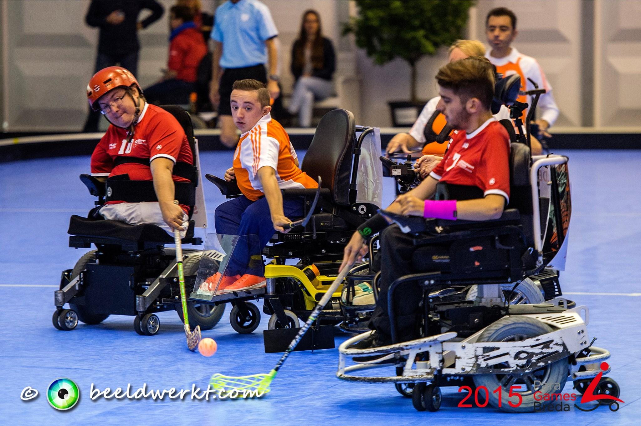 Powerchair hockey - Sponsored by Webelephant Breda ...
